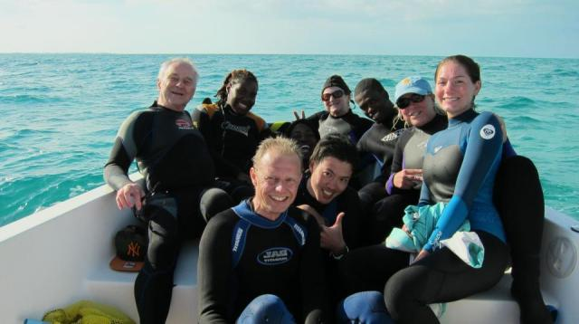 Howard with the Earthwatch team at the Cape Eleuthera Institute.