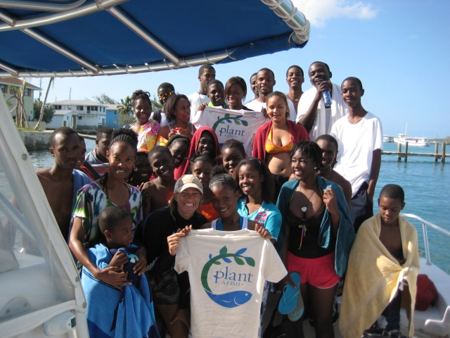The L.N. Coakley High School Environmental Club visited the coral nursery in May. Thanks to Dive Exuma for their support. photo: Dothlyn Blake